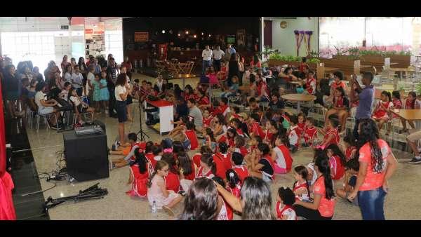 Evangelização em Centro Comercial de Altamira, PA - galerias/4955/thumbs/05.JPG
