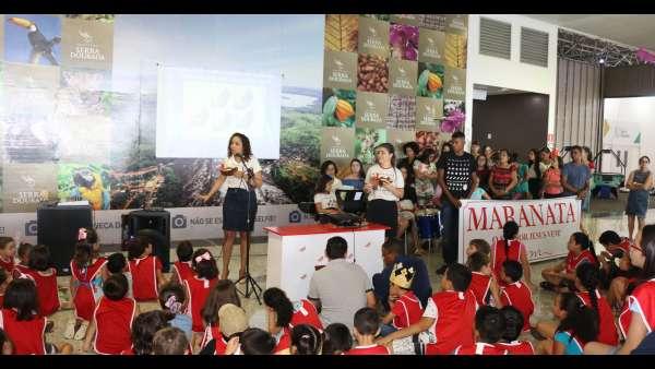 Evangelização em Centro Comercial de Altamira, PA - galerias/4955/thumbs/06.JPG