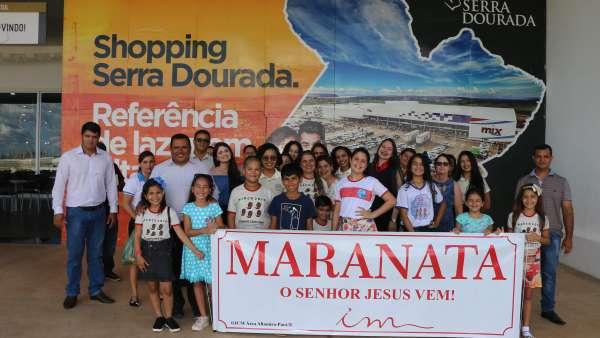 Evangelização em Centro Comercial de Altamira, PA - galerias/4955/thumbs/08.JPG
