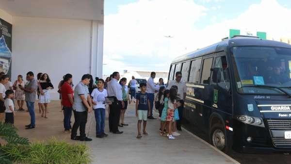 Evangelização em Centro Comercial de Altamira, PA - galerias/4955/thumbs/10.JPG
