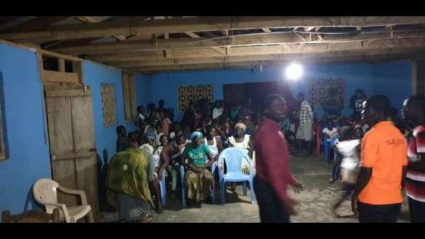 Recebimento de donativos em Gana, África - galerias/4957/thumbs/05.jpeg