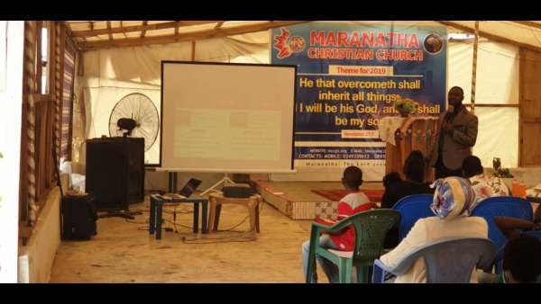 Recebimento de donativos em Gana, África - galerias/4957/thumbs/07.jpeg