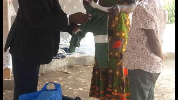 Recebimento de donativos em Gana, África - galerias/4957/thumbs/11.jpeg