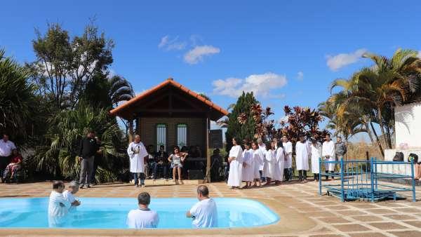 Batismos - julho 2019 - galerias/4964/thumbs/42valparaiso4.JPG