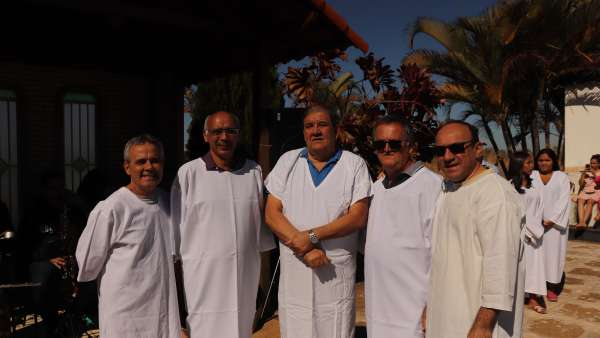 Batismos - julho 2019 - galerias/4964/thumbs/44-valparaiso6.JPG