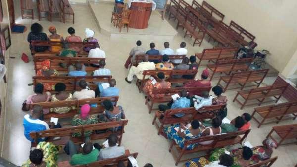 Seminário da ICM em Burundi, África - galerias/4979/thumbs/01-pastores-obreiros-e-professoras.jpg