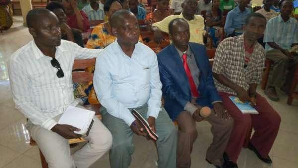Seminário da ICM em Burundi, África - galerias/4979/thumbs/05-pastores-de-bitwe-e-nianza-lac.jpg
