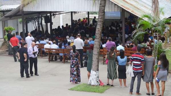 Culto de glorificação pelos 04 anos do Projeto Aprendiz na Área de Bela Aurora, Cariacica - ES - galerias/5005/thumbs/01.jpg