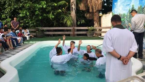 Batismos pelo Brasil: setembro 2019 - galerias/5007/thumbs/32.jpg