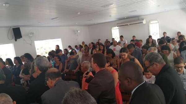 Consagração de Igrejas Cristã Maranata em Sombrio (SC), Nilópolis (RJ) e Vargem Alegre (ES) - galerias/5010/thumbs/11.jpg