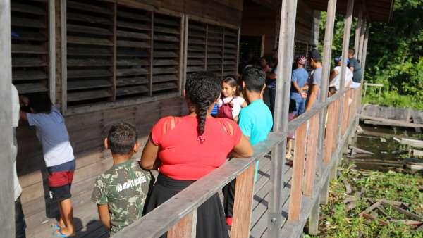 Oitava Missão Amazônia - Culto de abertura e Melgaço - galerias/5019/thumbs/73.JPG