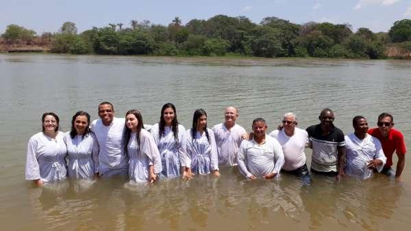 Batismos - Outubro de 2019 - galerias/5028/thumbs/15.jpg