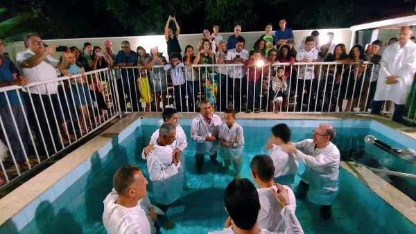 Batismos - Outubro de 2019 - galerias/5028/thumbs/22.jpg