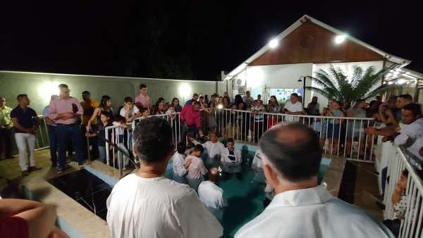 Batismos - Outubro de 2019 - galerias/5028/thumbs/23.jpg