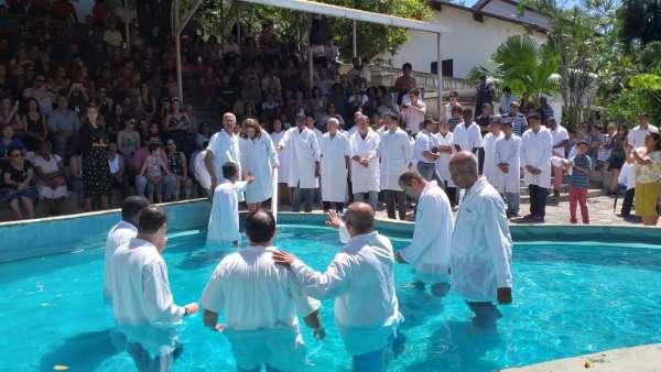 Batismos - Outubro de 2019 - galerias/5028/thumbs/28.jpg