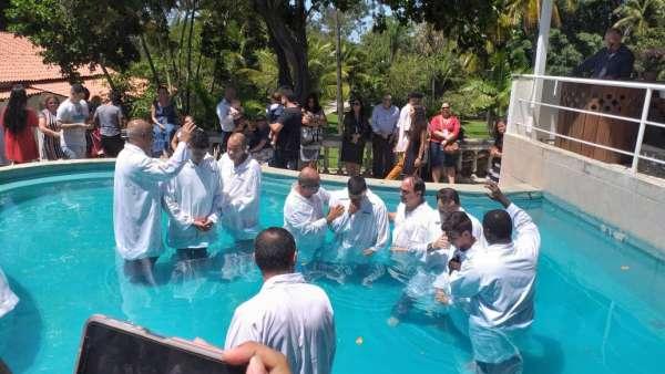 Batismos - Outubro de 2019 - galerias/5028/thumbs/29.jpg
