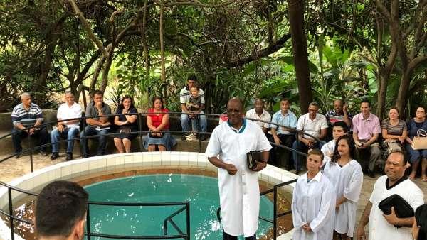 Batismos - Outubro de 2019 - galerias/5028/thumbs/38.jpg
