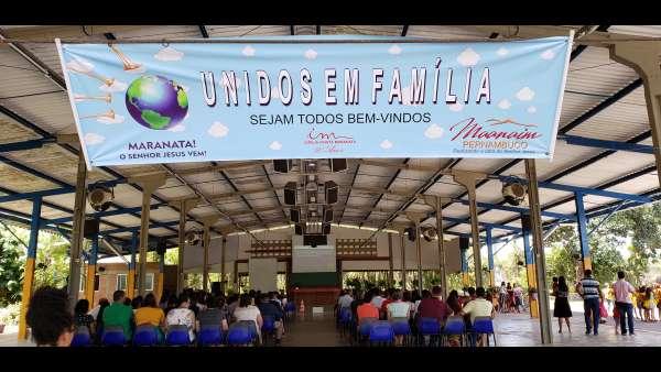 Unidos em Família em oito Maanains do Brasil - galerias/5031/thumbs/01-uef-pe.jpg
