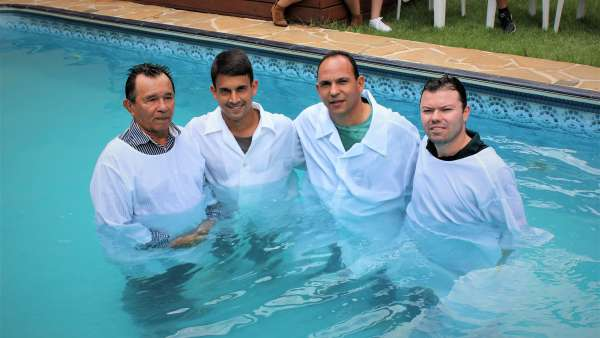 Batismos - Dezembro de 2019 - galerias/5038/thumbs/054-jardim-mariliza-e-vila-rezende-em-goiânia-08-1.JPG