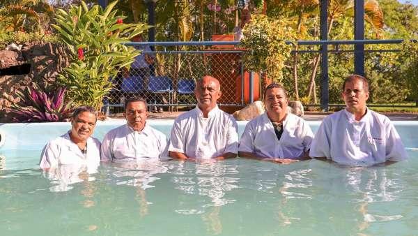 Batismos - Dezembro de 2019 - galerias/5038/thumbs/118ilheus-22-1.jpeg