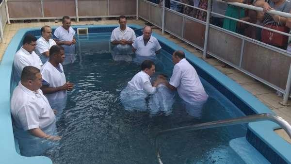 Batismos - Dezembro de 2019 - galerias/5038/thumbs/123-lajinha-mg-22-2.jpeg