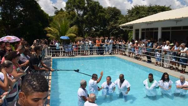 Batismos - Dezembro de 2019 - galerias/5038/thumbs/141-regiao-betânia-contagem-mg-22-1.JPG