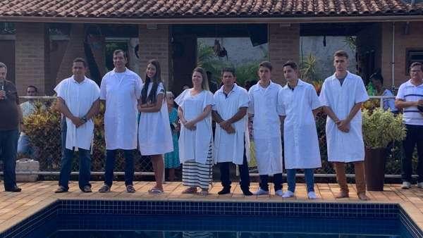 Batismos - Dezembro de 2019 - galerias/5038/thumbs/143-regiao-de-caratinga-2212.jpg