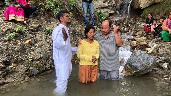 Batismo no Nepal - Obra no exterior - galerias/5041/thumbs/02.jpg