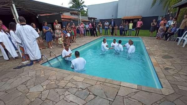 Batismos - Janeiro 2020 - galerias/5054/thumbs/20santa-barbara-doeste---sp-19-2.jpg