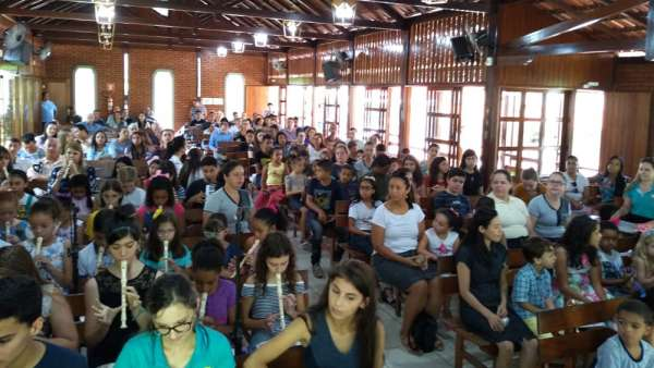 Evangelização na Estação Ferroviária de Marechal Floriano, ES - galerias/5065/thumbs/01.jpeg