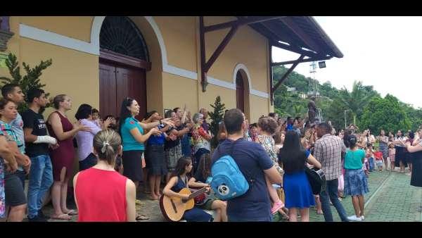 Evangelização na Estação Ferroviária de Marechal Floriano, ES - galerias/5065/thumbs/05.jpeg