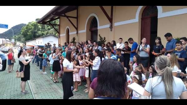 Evangelização na Estação Ferroviária de Marechal Floriano, ES - galerias/5065/thumbs/06.jpeg