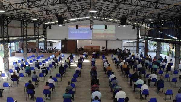 Reunião de obreiros, diáconos e pastores no Maanaim de Terra Vermelha, Vila Velha, ES - galerias/5081/thumbs/01.jpg