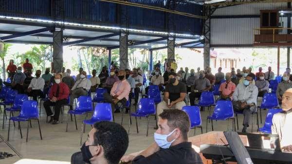 Reunião de obreiros, diáconos e pastores no Maanaim de Terra Vermelha, Vila Velha, ES - galerias/5081/thumbs/04.jpg