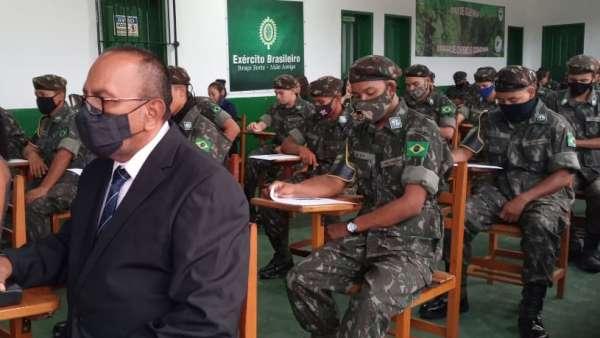 Cultos com Oficiais do Exército Brasileiro - galerias/5085/thumbs/breves02---copia.jpeg