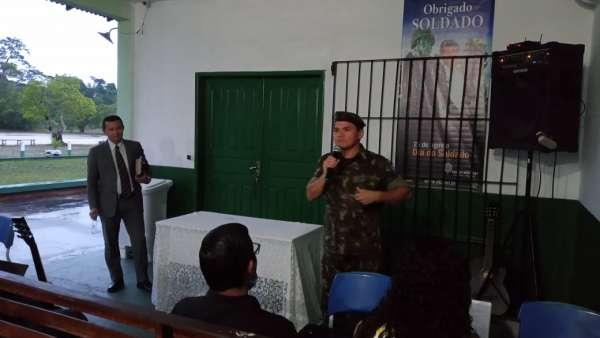 Cultos com Oficiais do Exército Brasileiro - galerias/5085/thumbs/breves03.jpeg