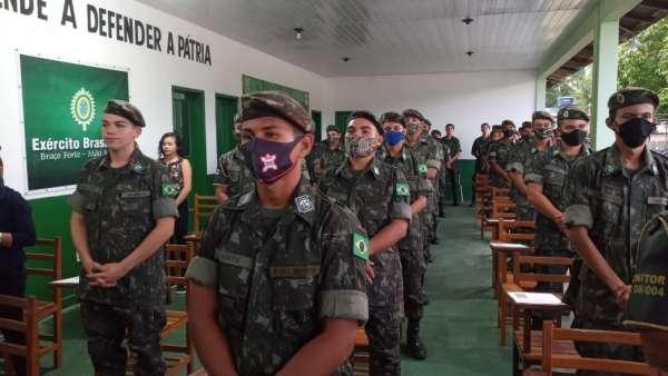 Cultos com Oficiais do Exército Brasileiro - galerias/5085/thumbs/breves05.jpeg