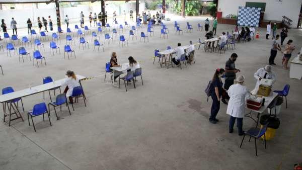 Vacinação contra Covid-19 e Influenza no Maanaim da Rodoviária, em Vitória ES - galerias/5093/thumbs/03.jpg
