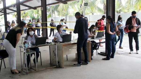 Vacinação contra Covid-19 e Influenza no Maanaim da Rodoviária, em Vitória ES - galerias/5093/thumbs/04.jpg