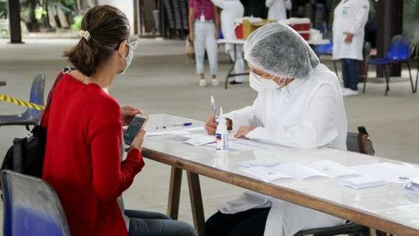 Vacinação contra Covid-19 e Influenza no Maanaim da Rodoviária, em Vitória ES - galerias/5093/thumbs/06.jpg