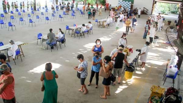 Vacinação contra Covid-19 e Influenza no Maanaim da Rodoviária, em Vitória ES - galerias/5093/thumbs/07.jpg