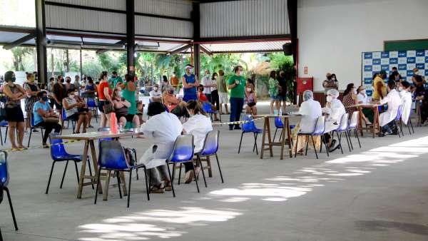 Vacinação contra Covid-19 e Influenza no Maanaim da Rodoviária, em Vitória ES - galerias/5093/thumbs/09.jpg