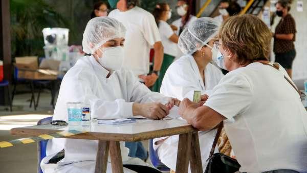 Vacinação contra Covid-19 e Influenza no Maanaim da Rodoviária, em Vitória ES - galerias/5093/thumbs/12.jpg