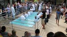 Igrejas Cristã Maranata realizam cultos de batismo