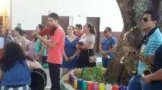 Jovens realizam trabalho evangelístico em Fundão, ES