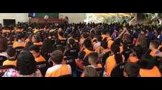 Participantes do Unidos em Família assistem à aulas no segundo dia de seminário