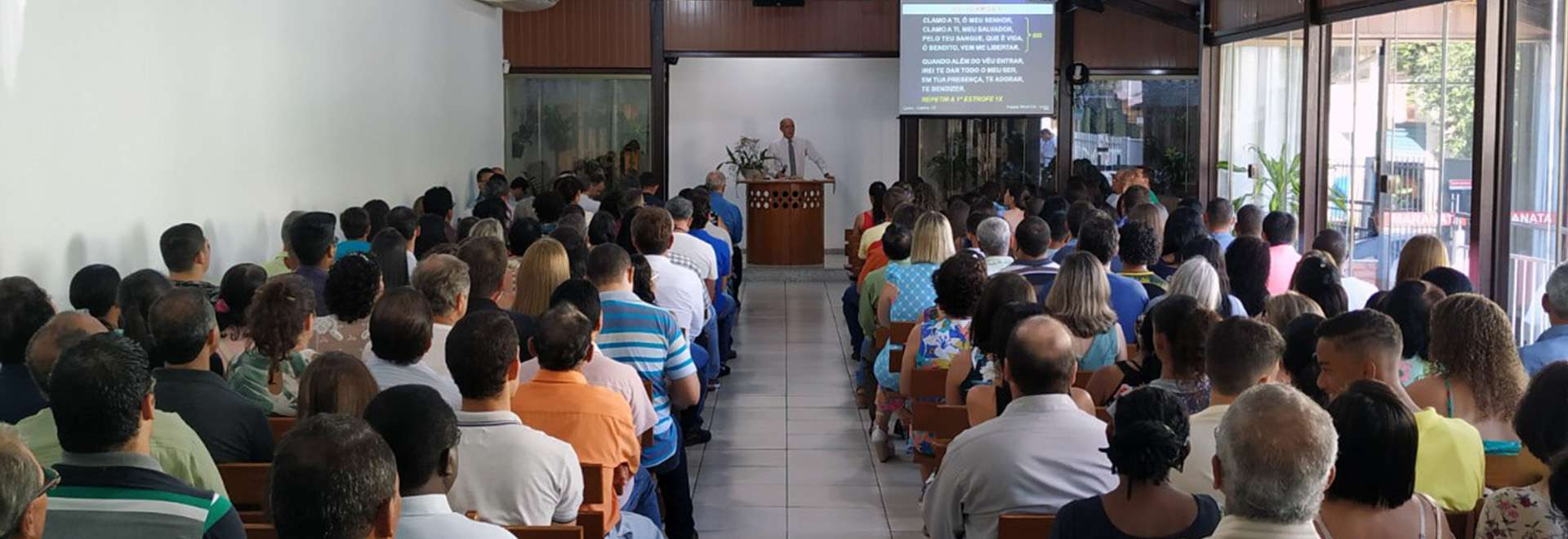 Visitantes do evento Trombetas e Festas são alvos de culto especial em Colatina, ES