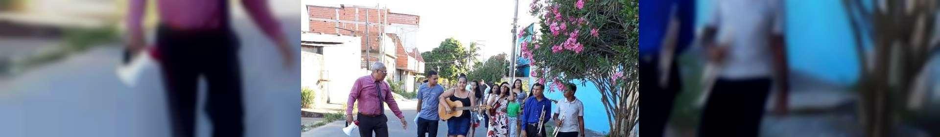 Membros da Igreja Cristã Maranata de Cariacica, ES, vivenciam experiências com evangelização