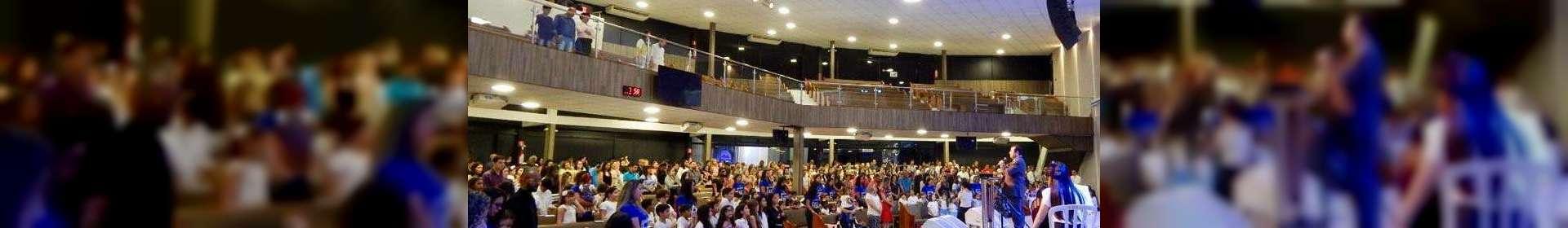 Culto de glorificação pelos 45 anos do Colégio Rúbia Coelho, em Governador Valadares
