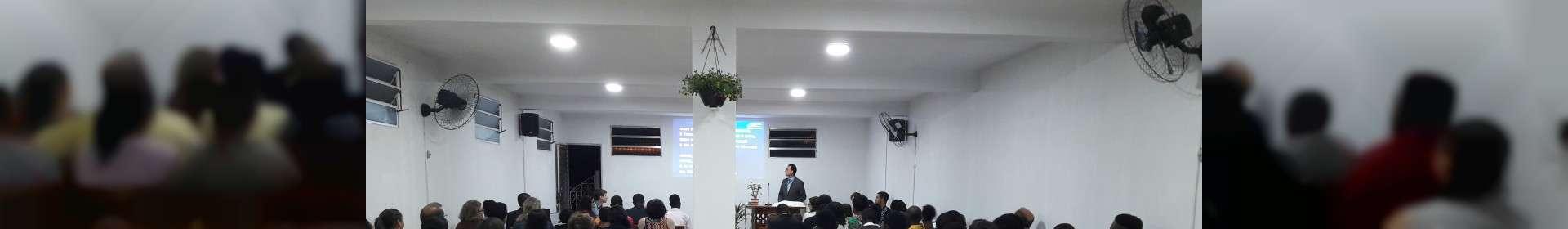 Igreja Cristã Maranata de Jarinu (SP) e haitianos participam de uma ceia